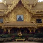 Chiangrai-Gold-Temple