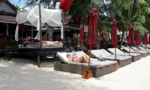 Koh-Tao-Beach-In-touch-Hotel