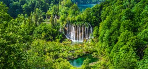 Plitvice-National-Park-Waterfall