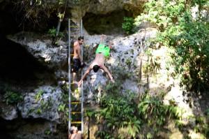 jump-cancun