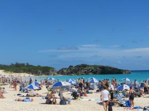 horseshoe-beach-hamilton-bermuda