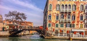 Venice-Italy-Canal-bridge-explore