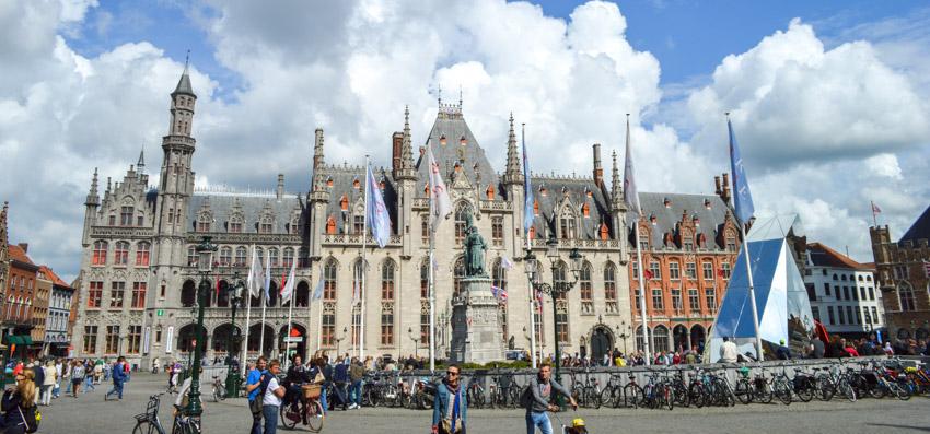 Bruges-marketplace