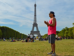 Park-Eiffel-Tower-Paris