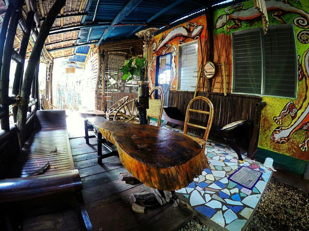 bamboo-garden-living-room