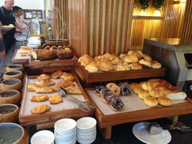 palm-garden-breakfast