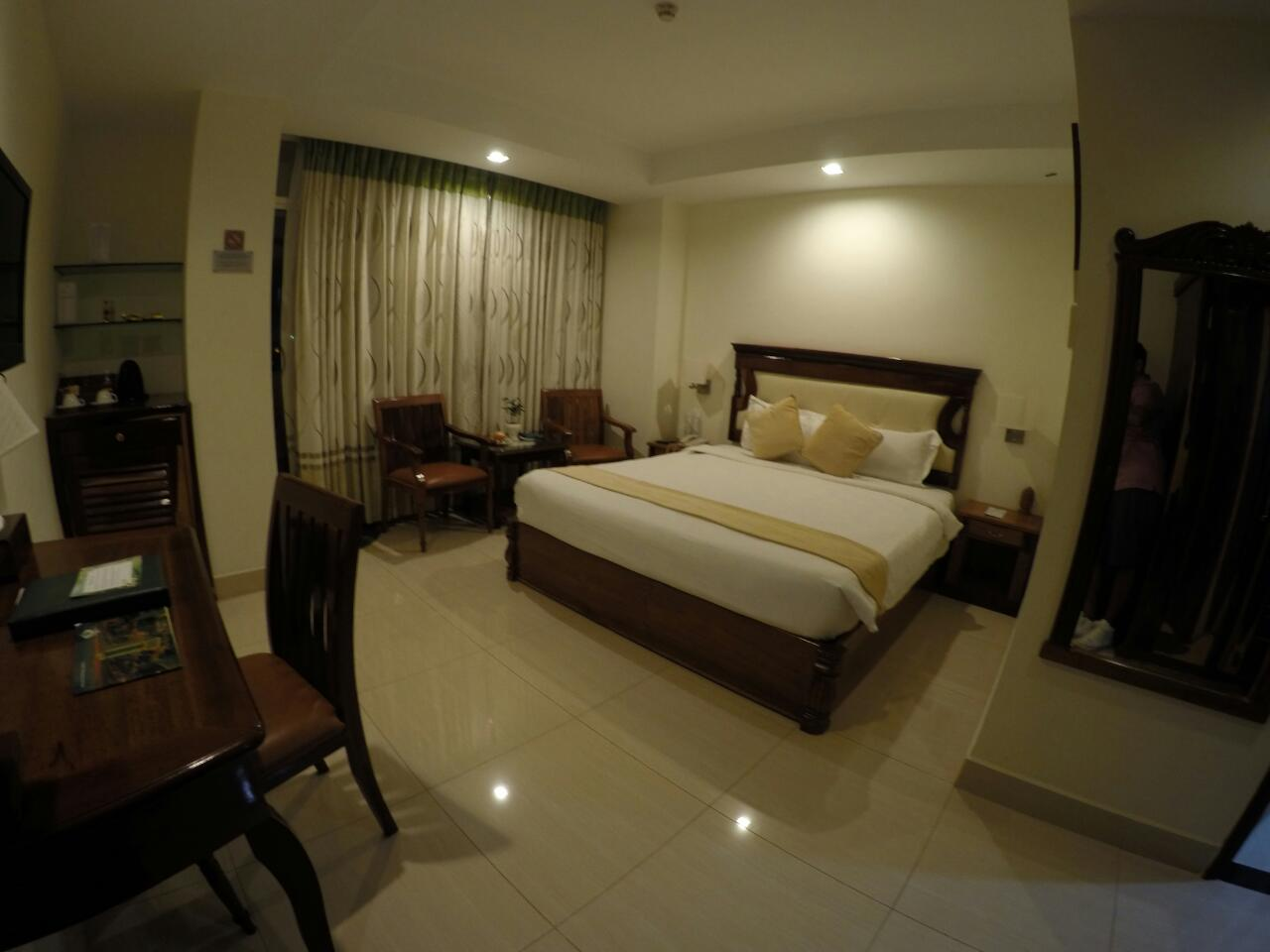room-greenpalace