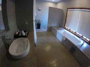 bathroom-tresor-d-angkor