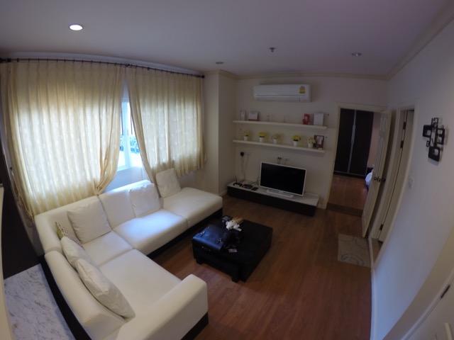 livingroom-airbnb-bangkok