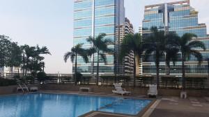 pool-bangkok-airbnb
