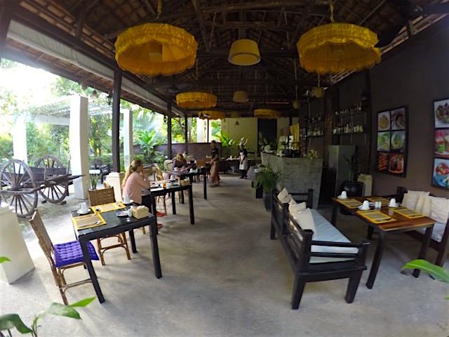 restaurant-sanctuary-villa