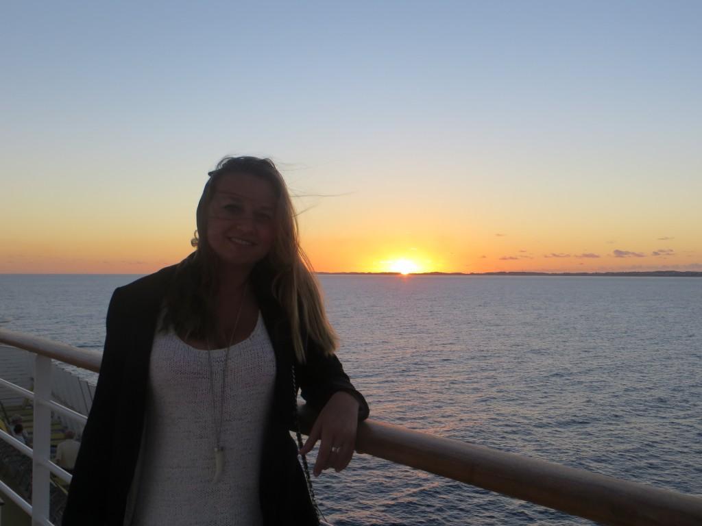 sunset-cruise-ships