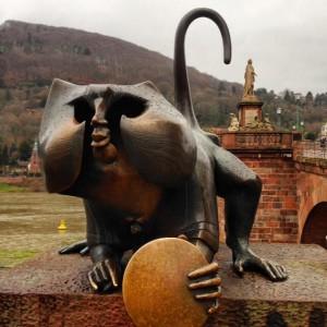 old-bridge-heidelberg-monkey