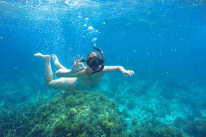 philippines-cacnipa-island-snorkeling