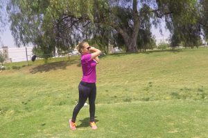 woman-golf-swing